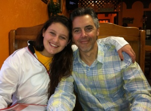 The sweet faces that I've been seeing for the past 9 days....my niece Kelly, and brother Bob at the local Mexican Restaurant (that we all fell in love with) last night.