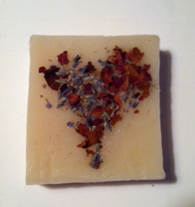 I made this lavender soap a few months ago (and decorated this one with rose petals and lavender flowers)